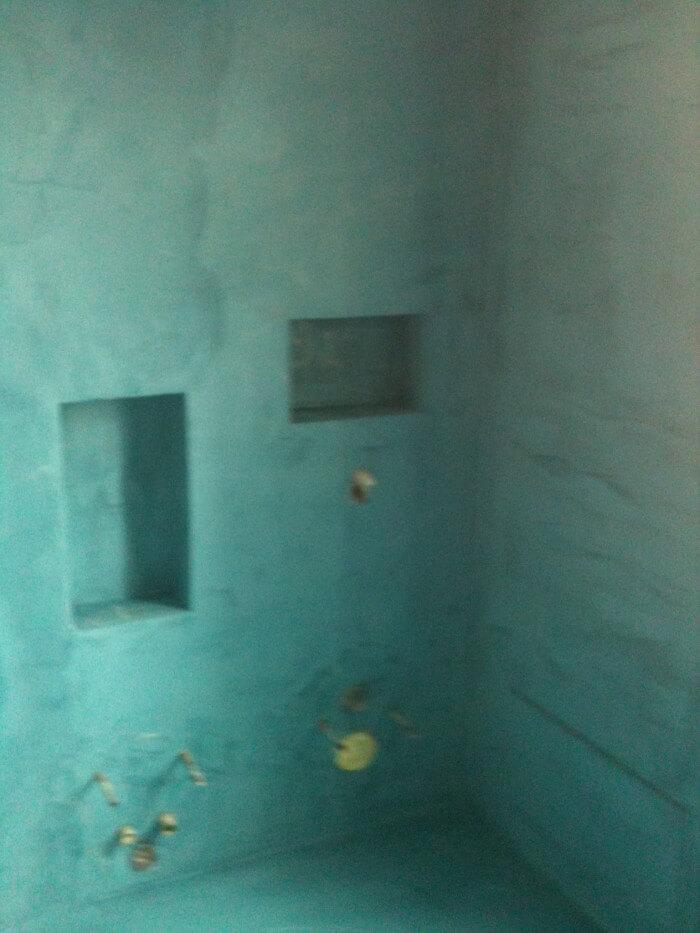 preparazione pareti in microcemento