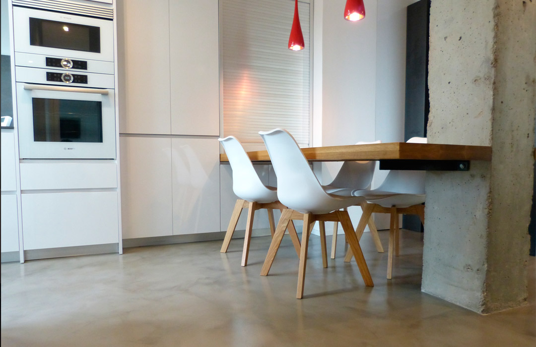 pavimenti in microcemento in una cucina