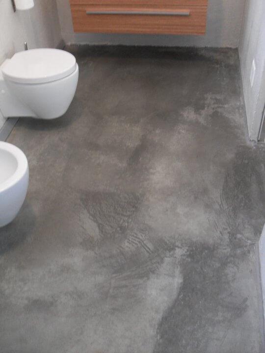 cemento spatolato nel bagno