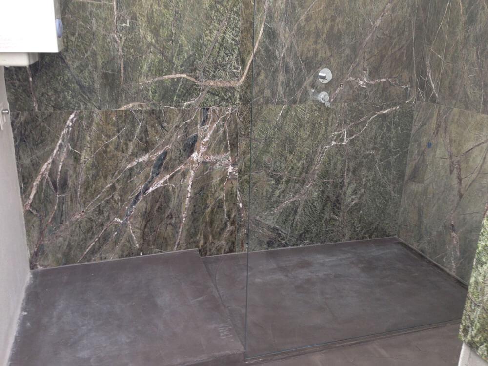 bagno con cemento spatolato